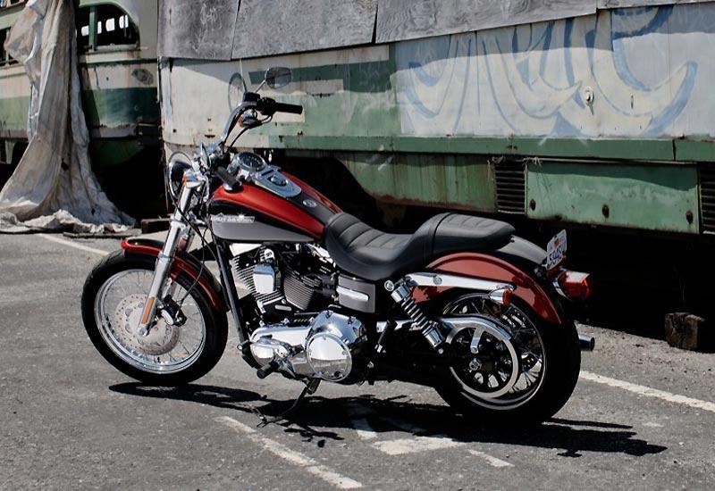 2012 Harley Davidson Fxdc Dyna Super Glide Custom: HARLEY-DAVIDSON Dyna Super Glide Custom 2012 Fiche Technique